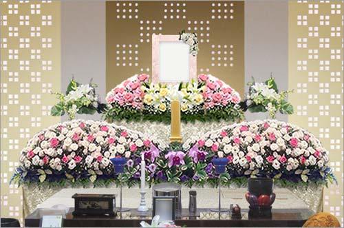 県央みずほ斎場の家族葬43花祭壇イメージ2