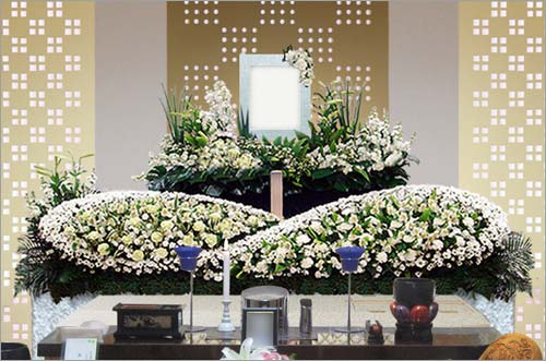 県央みずほ斎場の家族葬43花祭壇イメージ3