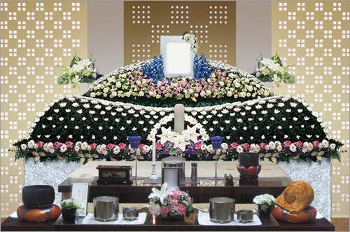 県央みずほ斎場の一般葬53花祭壇イメージ1