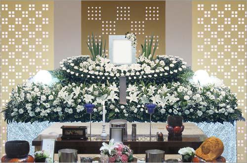 県央みずほ斎場の一般葬53花祭壇イメージ2